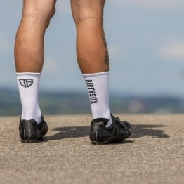 Compress - White/Black - Cycling socks - 17 cm